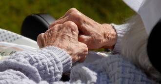 La batalla contra el Alzheimer comienza en la boca