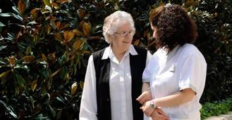 UNAF: 'Necesitamos medidas de apoyo al cuidado para que no recaiga exclusivamente en las familias'