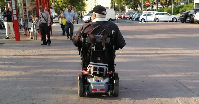 Dependencia low cost, la solución a las listas de espera