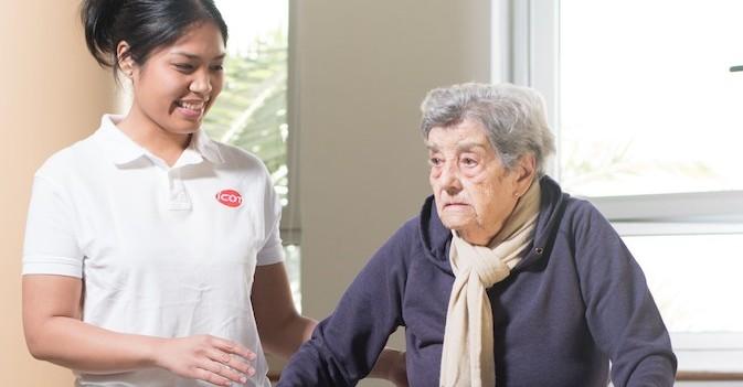 La Fundación Maria Wolff y CEAFA presentan la primera residencia sin sujeciones farmacológicas