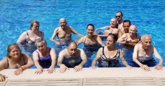 ILUNION Parla se va a la piscina
