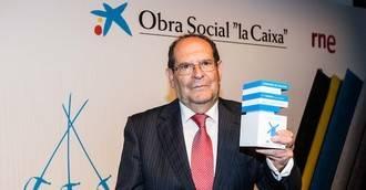 José Luis Robles gana el concurso de relatos de La Caixa