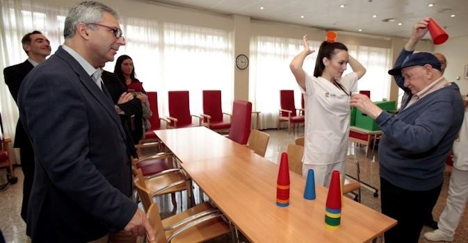 La Comunidad de Madrid destina 32 millones de euros para financiar hasta 1.278 plazas en centros de atención social