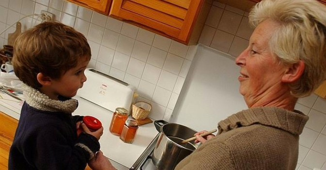 Una guía para mejorar la comunicación entre residentes y sus familias