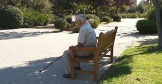 La CAM destina 17 millones para 376 plazas de atención a mayores con Alzheimer
