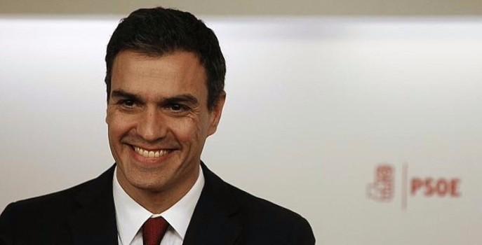 Sánchez propone recuperar la cotización a la Seguridad Social de los cuidadores