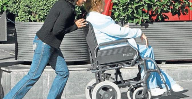 Castilla y León reducirá el plazo a las prestaciones de dependencia a tres meses en 2020