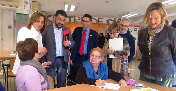 Las residencias públicas de Cataluña compartirán información clínica con los profesionales de atención primaria