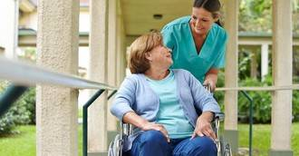 Enfermeras geriátricas: ¿alguien quiere esta especialidad?