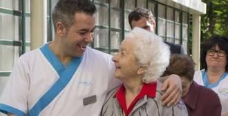 Los enfermeros de Valencia piden incorporar en las residencias personal especializado en geriatría
